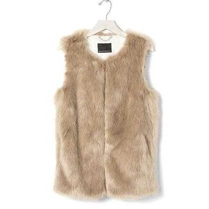 NWOT Banana Republic Faux Fur Vest